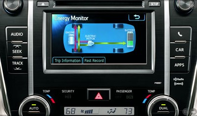 2013 Toyota Camry Hybrid Gains Interior and Technology Upgrades